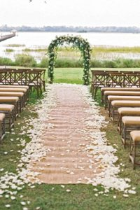 burlap wedding ceremony aisle